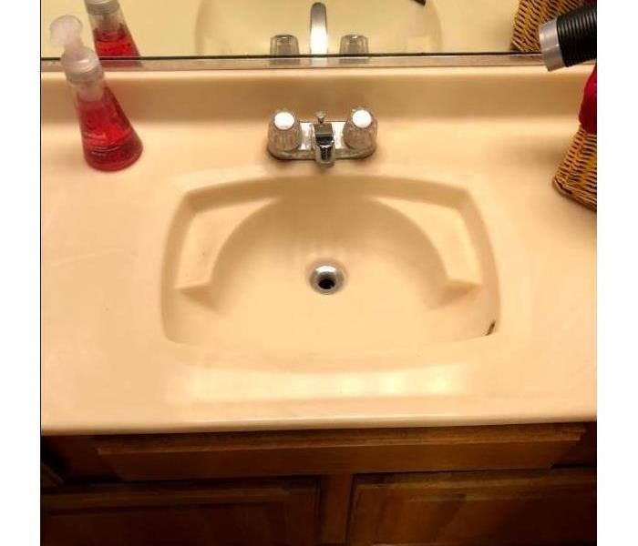 bathroom sink clean